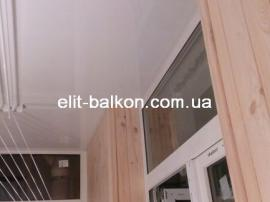 vnutrennjaja-obshivka-balkona-derevom-elit-balkon-harkov-011