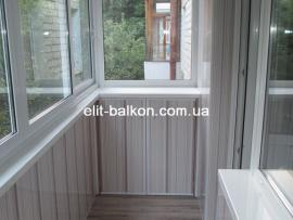 vnutrennjaja-obshivka-balkona-plastikom-elit-balkon-006