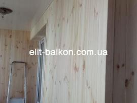 vnutrennjaja-obshivka-balkona-derevom-elit-balkon-harkov-038