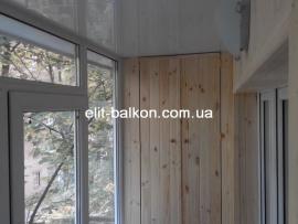 vnutrennjaja-obshivka-balkona-derevom-elit-balkon-harkov-017