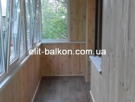 vnutrennjaja-obshivka-balkona-derevom-elit-balkon-harkov-027